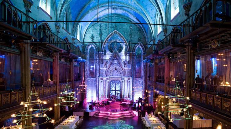 la-sinagoga-de-angel-orensanz-en-nueva-york-el-refugio-de-las-celebrities