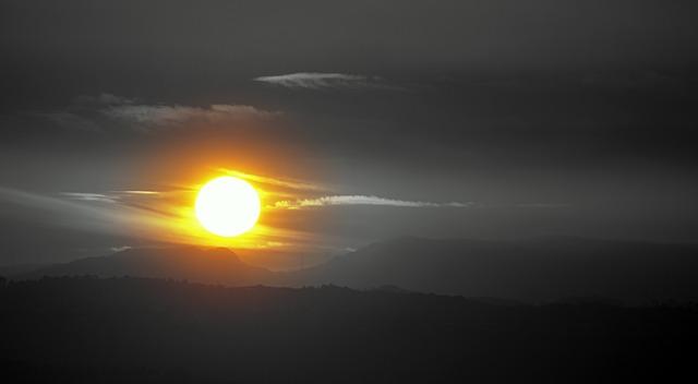 sun-1249189_640